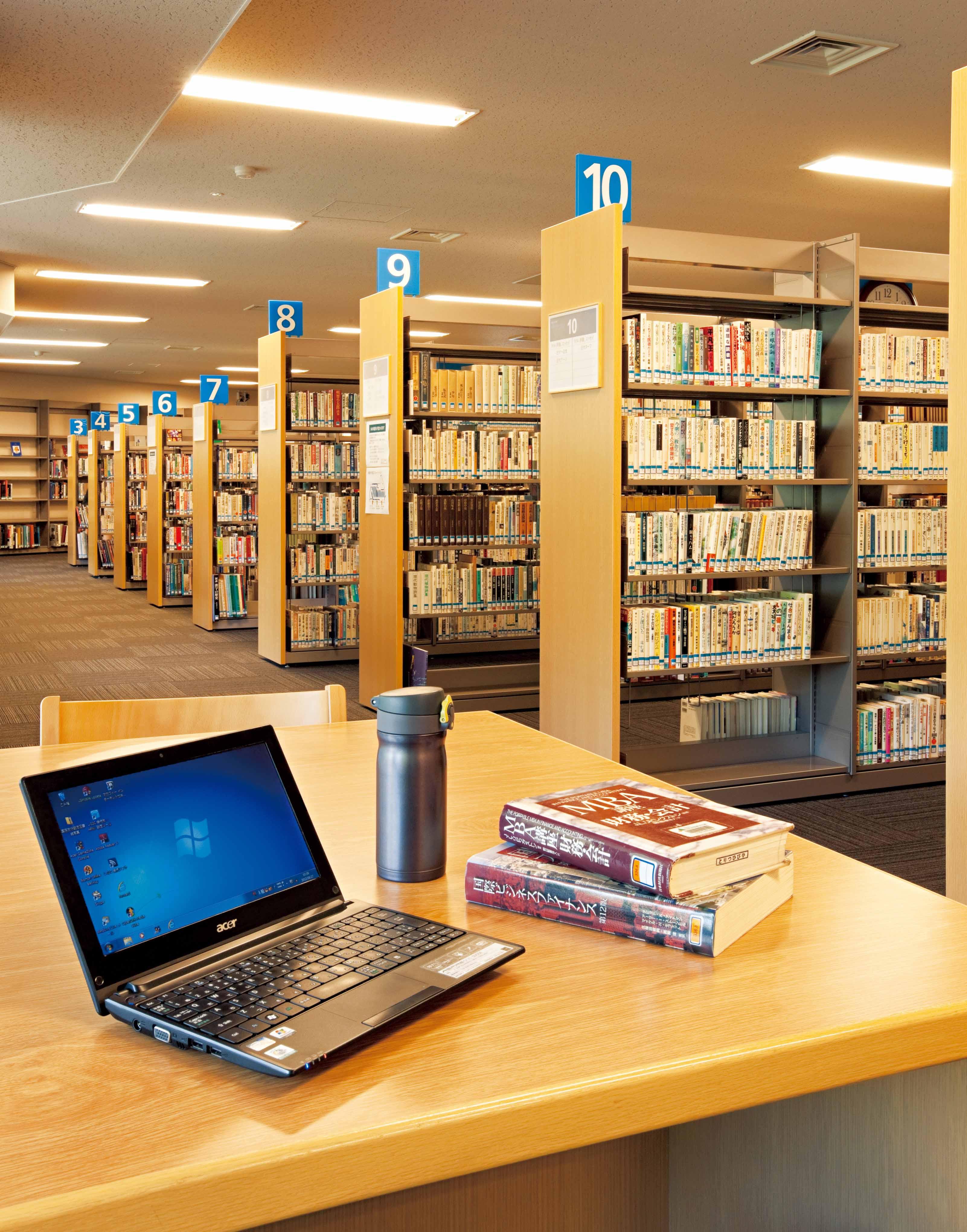 ★ただ今、図書館はモーレツに ...