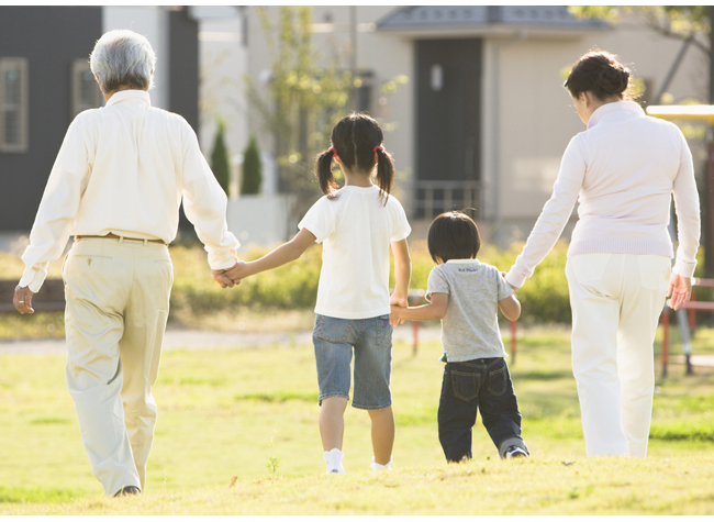 【DATA WATCHING】今どきの「祖父母と孫」の関係性