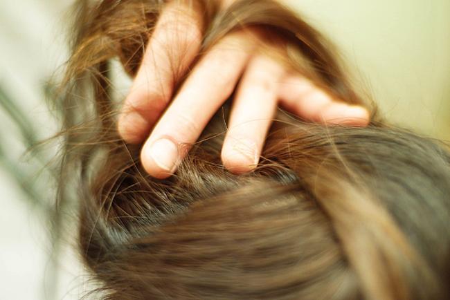 女性は「肌」より「髪」の状態のほうが見た目年齢に影響する?