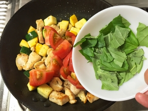 鶏むね肉と夏野菜の彩炒め017