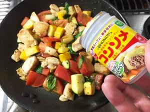 鶏むね肉と夏野菜の彩炒め018
