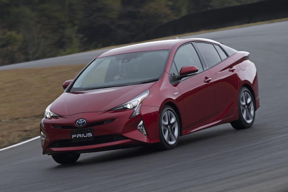 圧倒的な燃費性能と走りを両立した新型『プリウス』に死角はあるか?