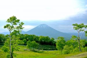 羊蹄パノラマテラスから眺めた羊蹄山。富士山に似た姿から蝦夷富士とも。