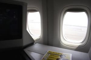 JALの新型ビジネスクラス「SKY SUITE �」体験レポ!フルフラットシートの乗り心地は?
