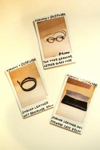 eyevoryオリジナル商品もあり、ケースや小物類も見逃せない。