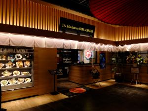 ハラルレストランで酒好きはどうなる?『ザ マンハッタン フィッシュ マーケット』