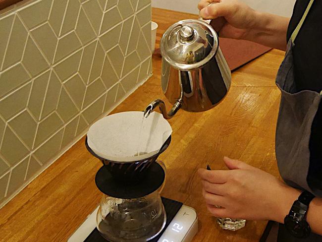 自宅でお手軽焙煎!フルーツみたいに甘い浅煎りコーヒーを楽しむ方法