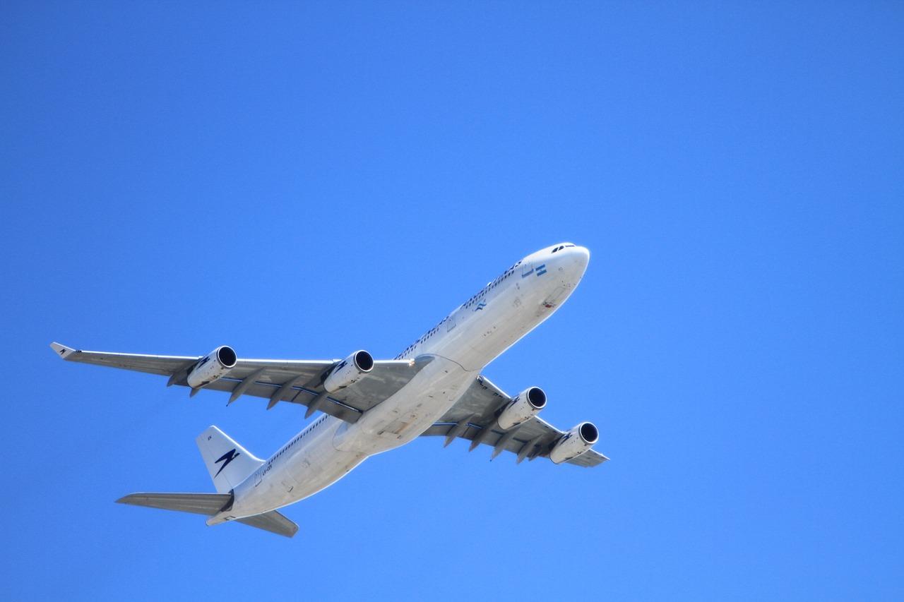 4月の成田国際空港の航空機発着回数、航空旅客数が過去最高を記録