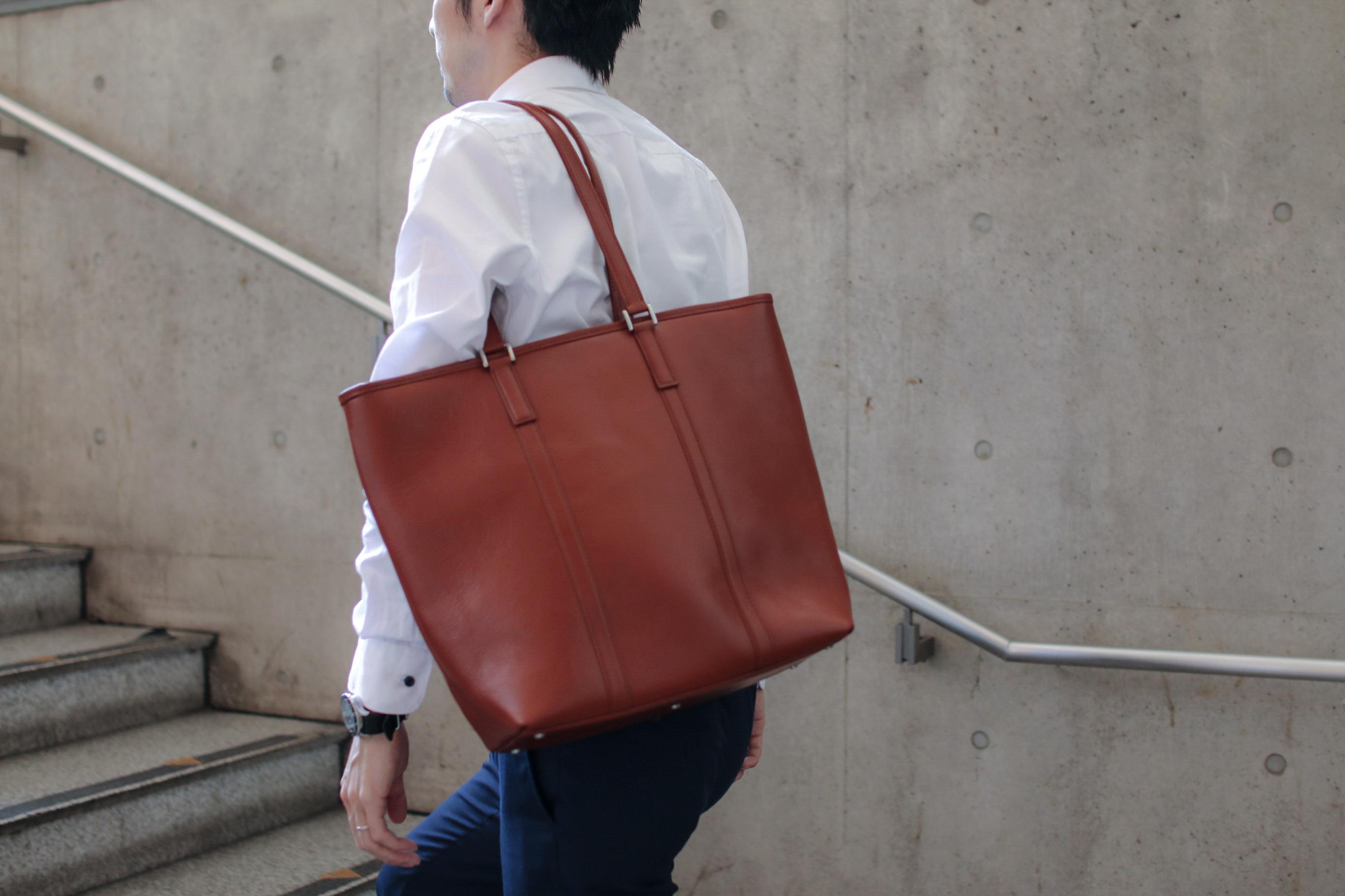 便利なタテ型が登場!使いやすさを追求したBusiness Leather Factoryの牛本革トートバッグ
