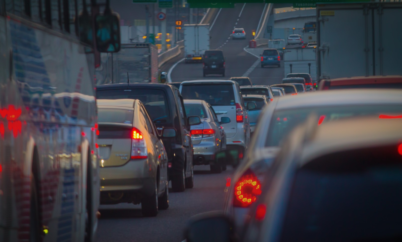 今どきシニアの○○%が子や孫の帰省の交通費を負担している