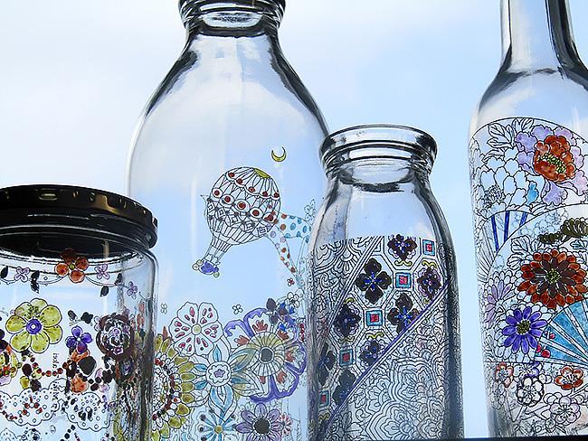 大人の塗り絵が立体化したボトルに塗るコロリアージュボトルとは