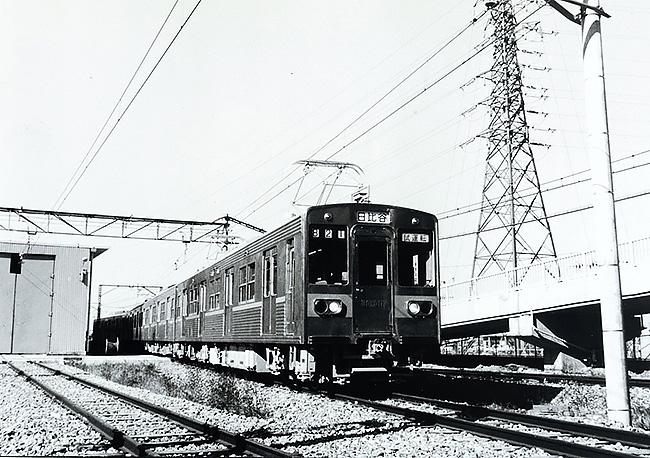 47年の歴史に幕を閉じた都営新宿線の初代車両「10-000形」の生涯を ...