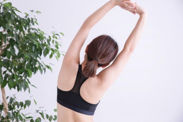 カラダを大きく振って慢性疲労を解消する動的ストレッチメソッドのススメ