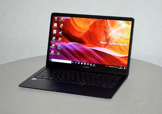 Thunderbolt3に対応したASUSの14インチノート『ZenBook3 Deluxe』は最強の仕事道具か?