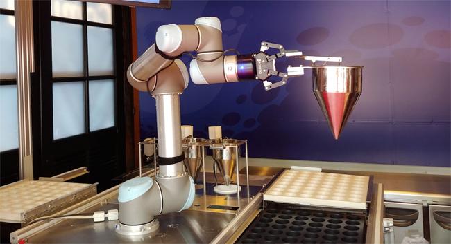 世界初のロボットたこ焼き店「OctoChef」が長崎ハウステンボスにオープン|@DIME アットダイム