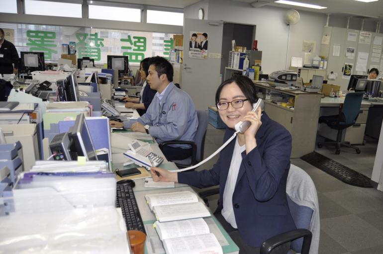 入省3年目の本音「人生の半分近くを費やす仕事から労災をなくしたい」東京労働局・永田真梨子さん
