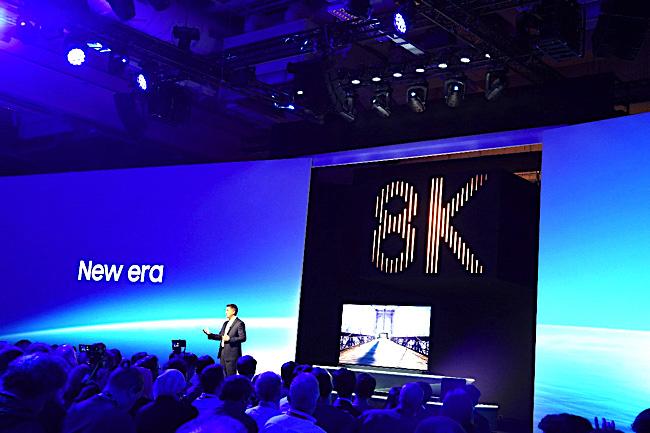 サムスンVSシャープ!この冬、ついに薄型テレビは「8K」の時代へ