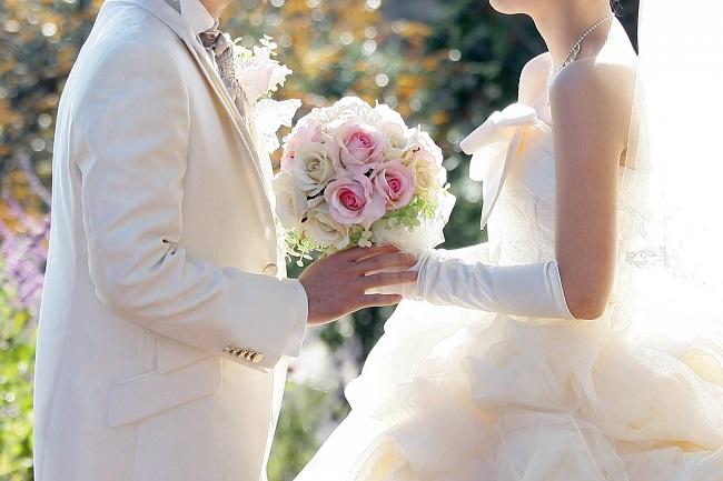 新郎新婦の負担比率は?夫婦間の分担の割合は?会場を決める前にチェックしたい結婚式の費用と節約のヒント|@DIME アットダイム