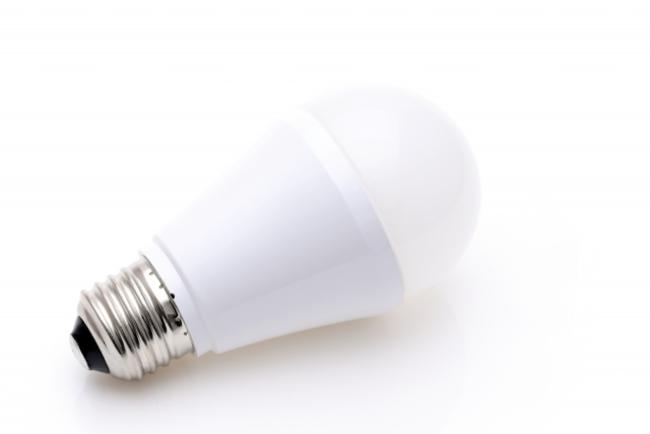 点滅は交換の合図?LED電球の寿命はどれくらいなのか|@DIME アットダイム