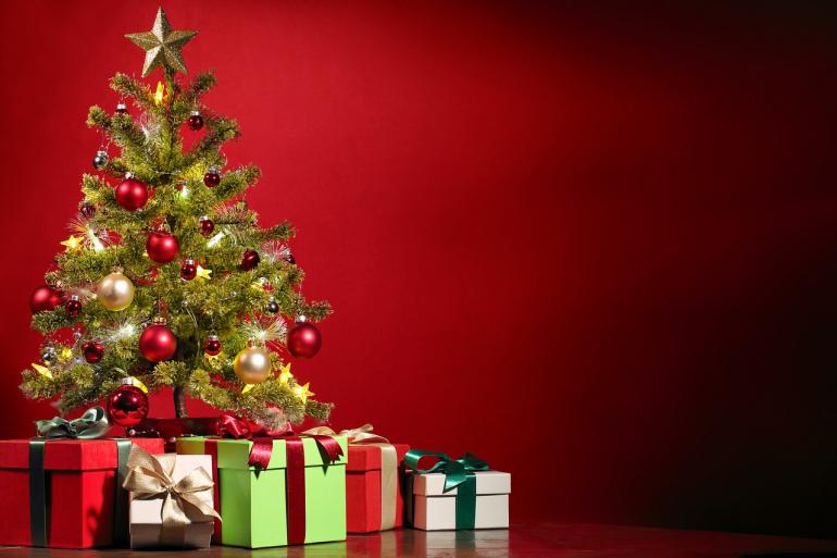 オーナメントの選び方、センスのいい飾り、クリスマスツリーを美しく飾り付けるコツ|@DIME アットダイム